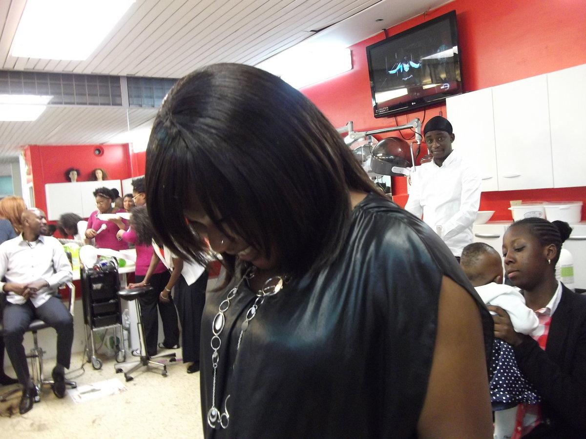 Africaine coiffure salon de coiffure dramey style id es for Salon coiffure africain