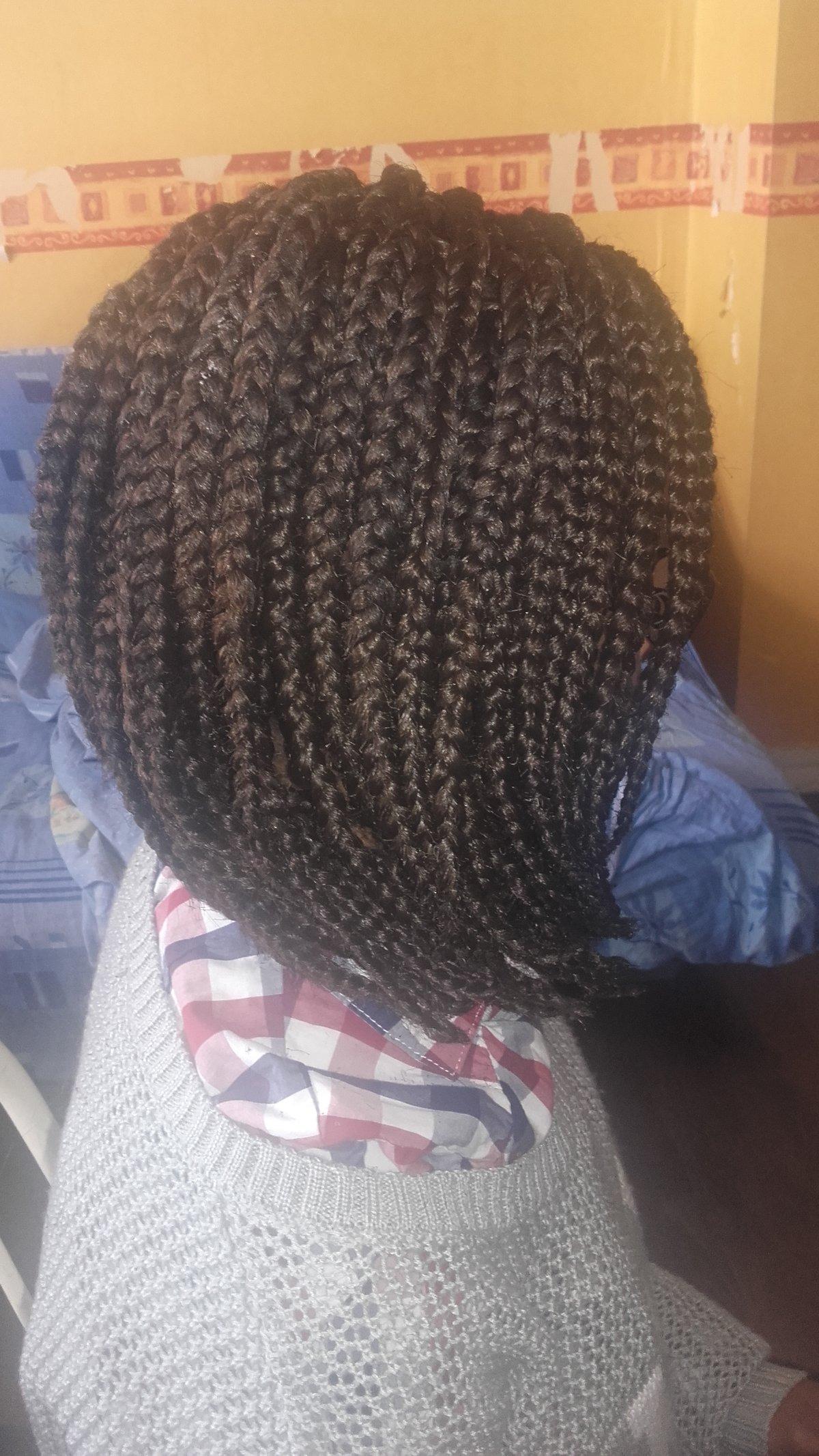 box braids effet carr plongeant id es coiffure afro tresses vanille tissage locks. Black Bedroom Furniture Sets. Home Design Ideas
