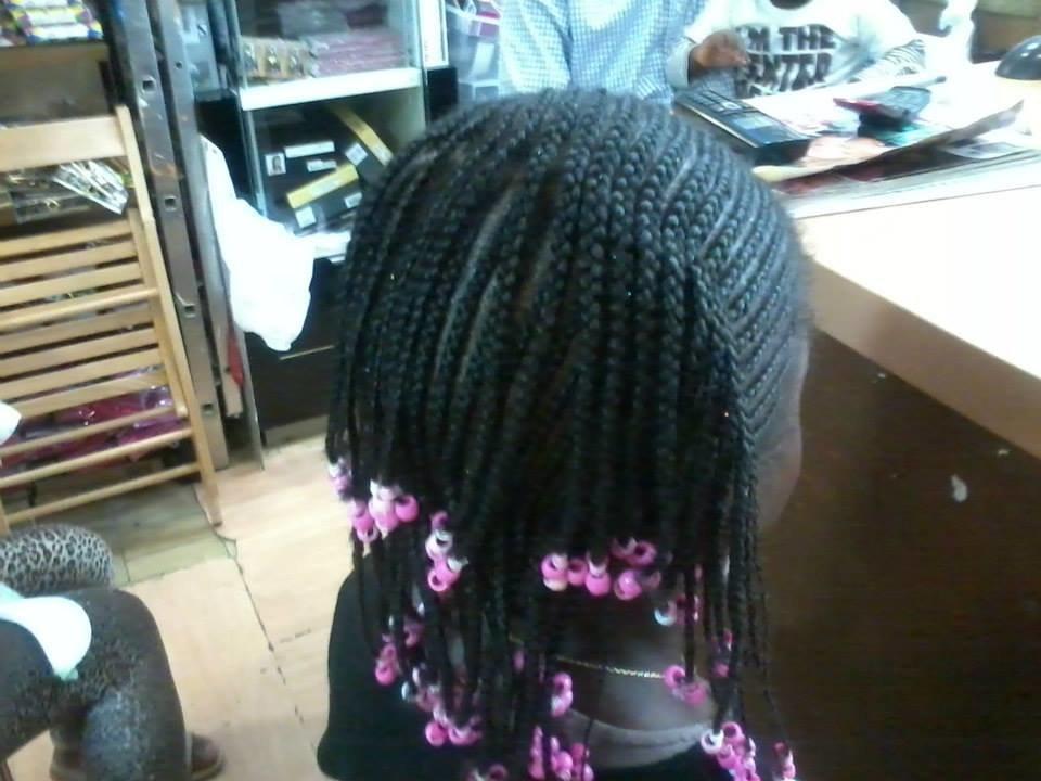 coiffure africaines nattes tresses enfants id es coiffure afro tresses vanille tissage. Black Bedroom Furniture Sets. Home Design Ideas