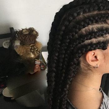 nattes collées-rajout-cheveux caucasien-coiffure afro-cornrow-zenaba