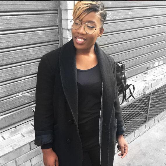 mrs aimcy cheveux defrises cheveux crepus coiffure afro coupe courte