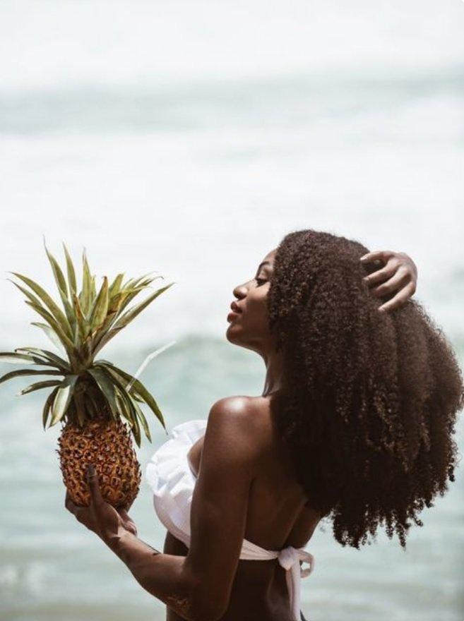 8 conseils pour prendre soin de ses cheveux l approche de l t magazine coiffure afro. Black Bedroom Furniture Sets. Home Design Ideas