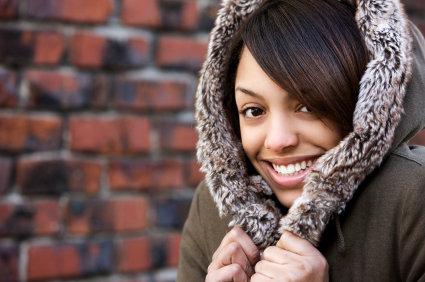 Cheveux ternes : les soins spécial hiver