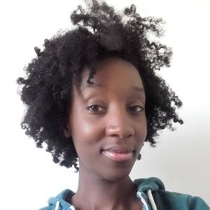 coiffure afro, cheveux crépus, cheveux fins