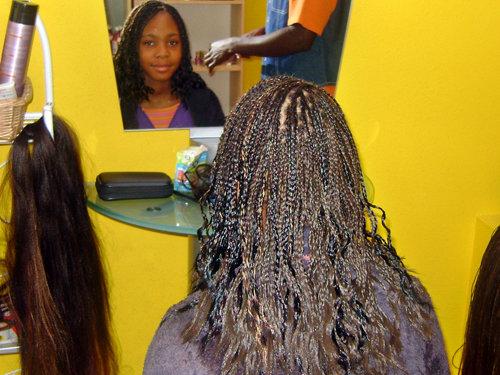 Africa Market, salon de coiffure mixte afro européen